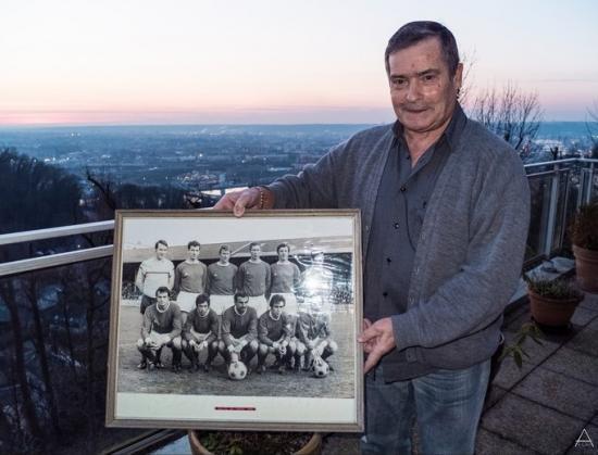 DANIEL DRUDA BONSECOURS avec la photo de l'équipe 1967